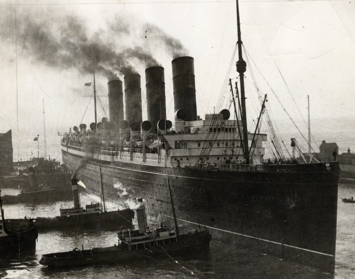 The HMS Mauretania docking at Liverpool, 1926, on which the Daily Mail Atlantic Edition was compiled