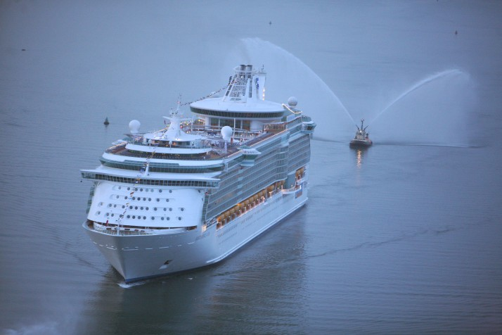 Independence of the Seas arrives Southampton.